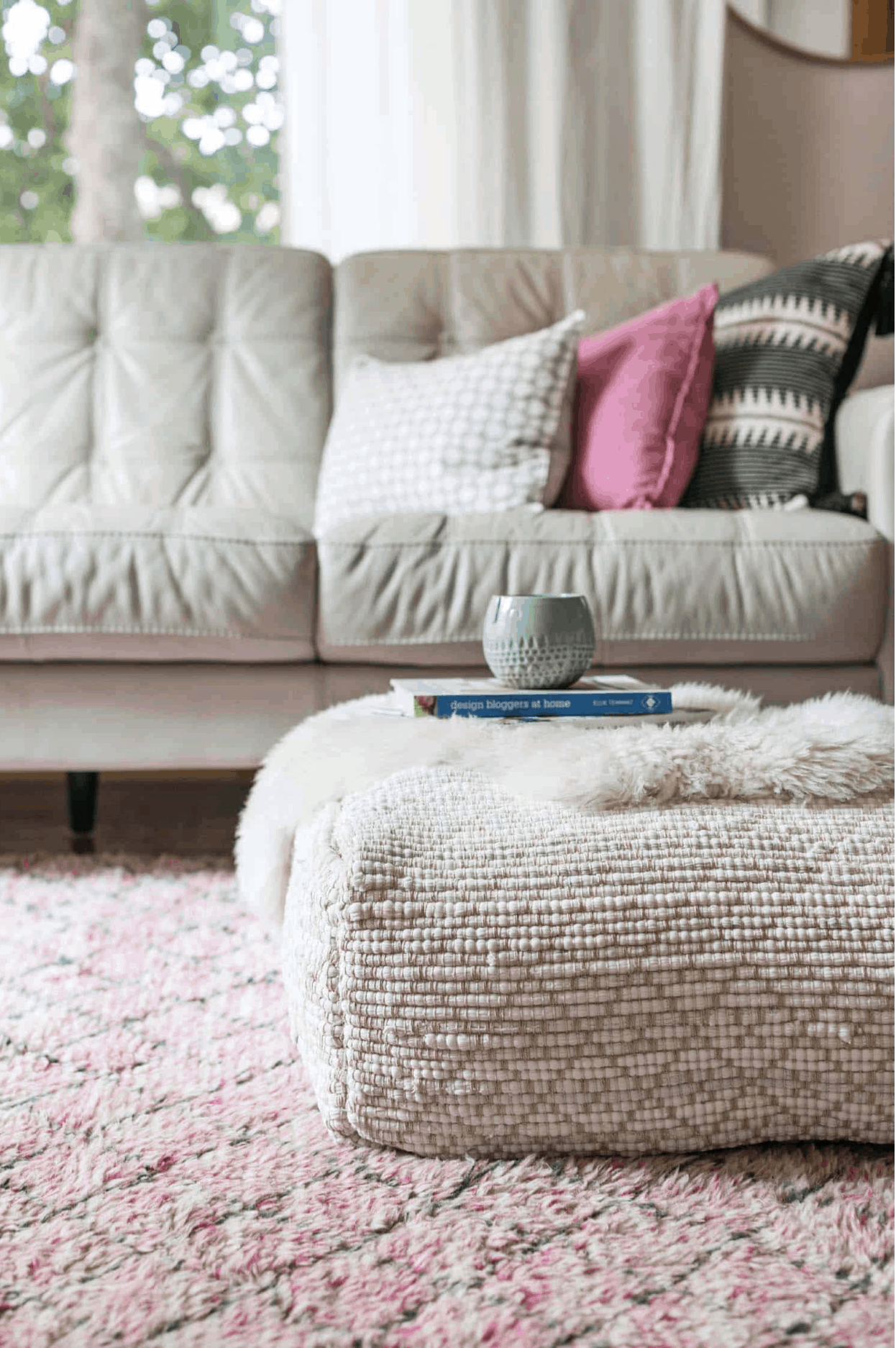 Floor pouf DIY Instructions - The Kindest Way