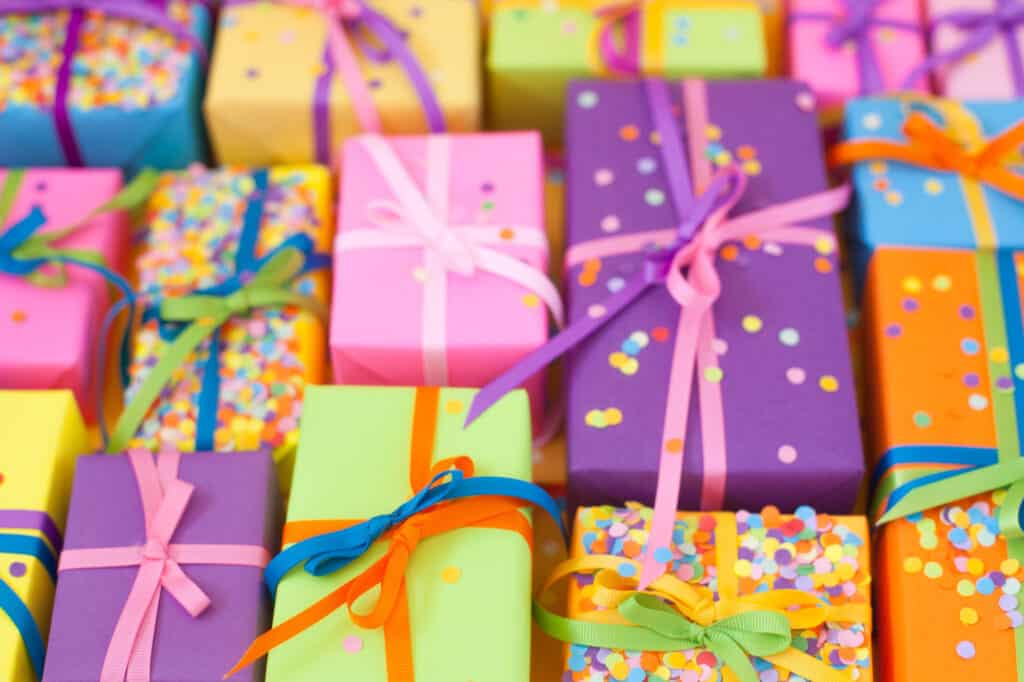 DIY gift wrapping hacks