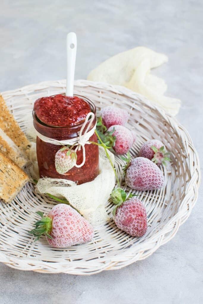 Home made jam makes an excellent DIY Christmas gift idea